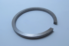 Кольцо раздаточной коробки ПВМ МТЗ (стопорное) 52-1802097